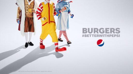 Burgers better with Pepsi. 從包裝袋中找到的創意